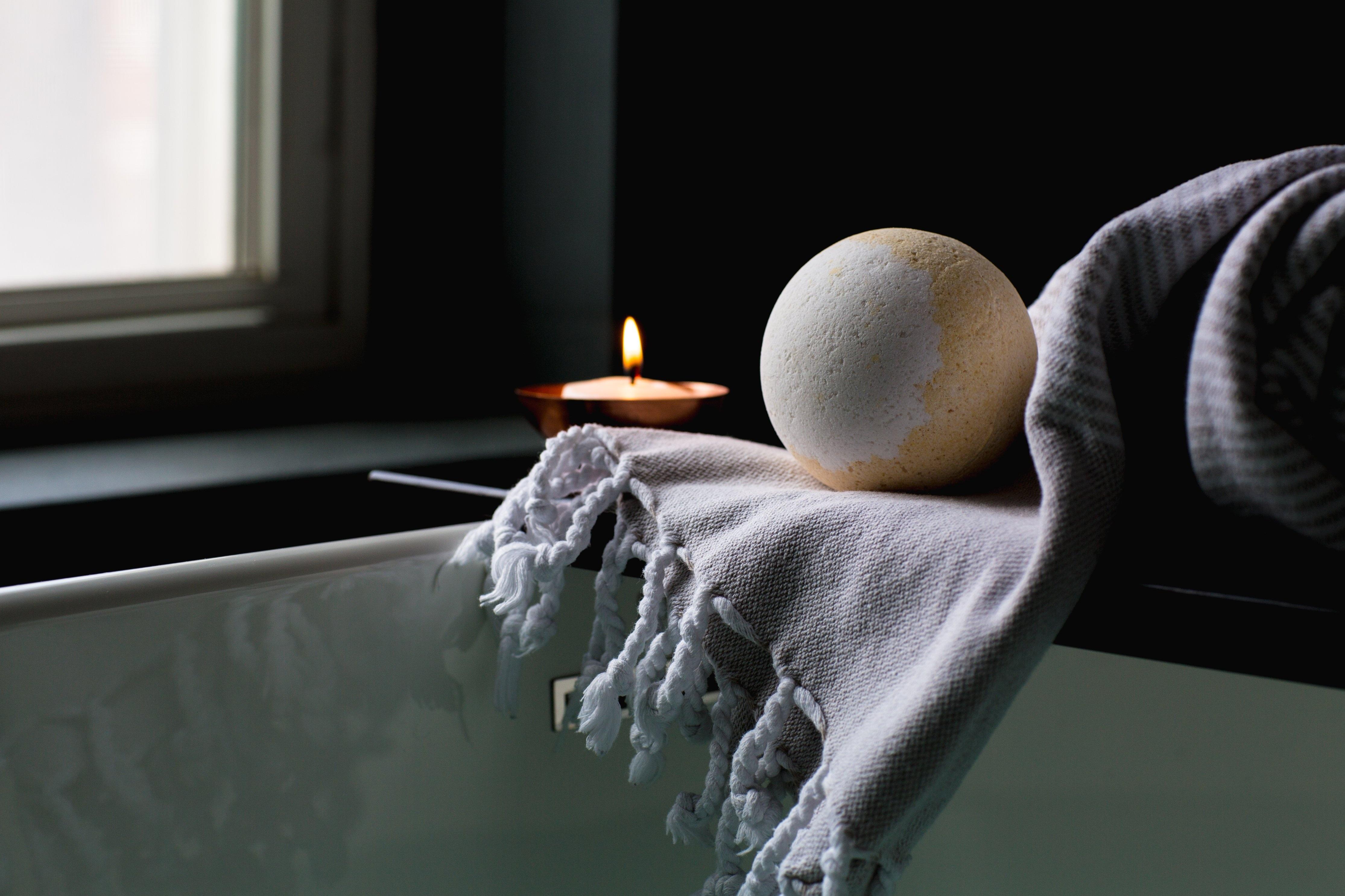bath-2562225.jpg